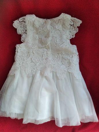 Біле плаття для дівчинки