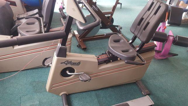продам велотренажер life cycle 9500R