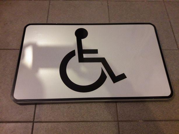 Znak drogowy parking dla niepełnosprawnych