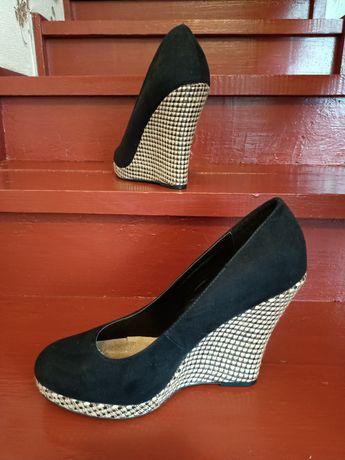 Нові туфлі 41 р.