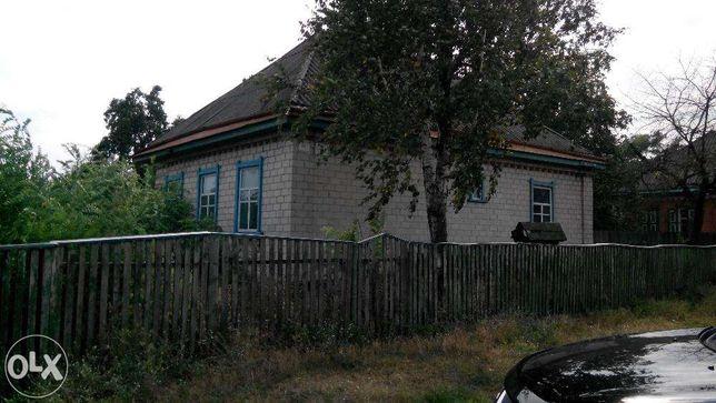 Дом,4х.комнатный,гараж,сарай и 50соток земли-(2000$)