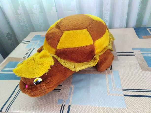 Черепаха, подушка-іграшка віддам за шоколадку