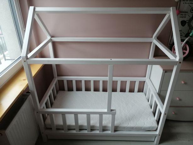 Łóżeczko domek 140x70 z szufladą i materacem