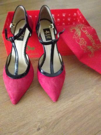 Sapatos de senhora cavalinho um dia de uso n. 37