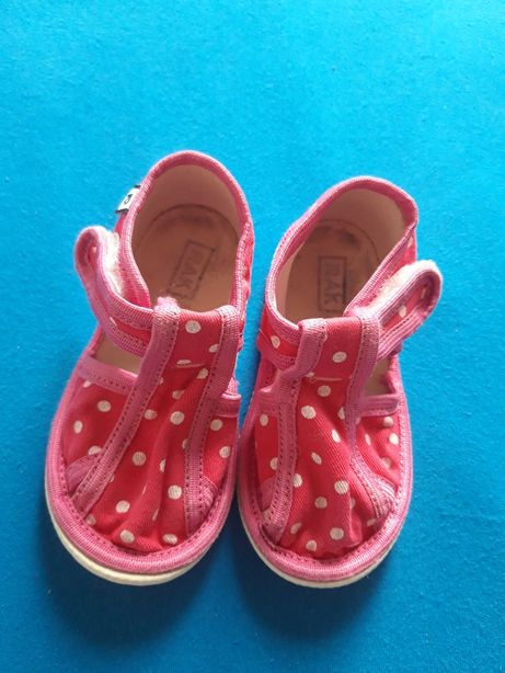 Kapcie, pantofle, pantofelki dla dziewczynki r.19, r.20 (12,5 cm)