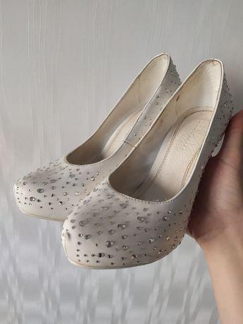 Свадебные туфли ilenana. Обуты 1 раз.