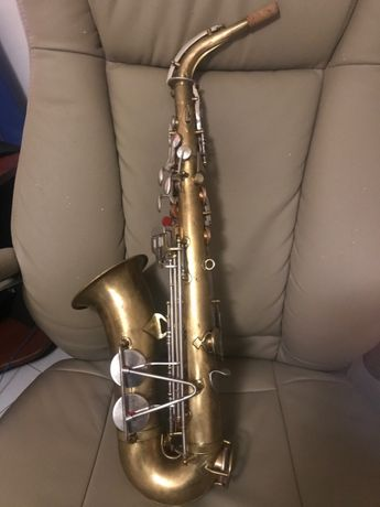 Saxofone alto King Cleveland 613