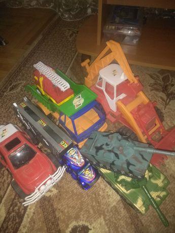 Іграшки машинки, трактор грузовик,автовоз