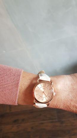 Elegancki damski zegarek koperta w kolorze różowego złota skórzany pas