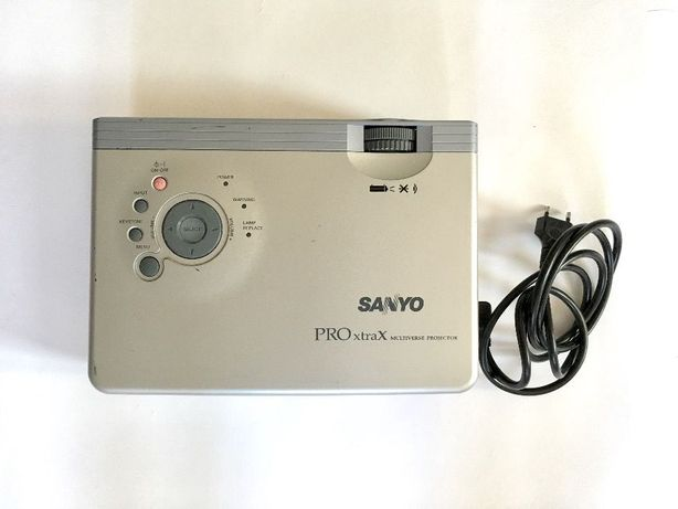 Projektor Sanyo PLC-XU41 + kabel D-SUB + kabel zasilania