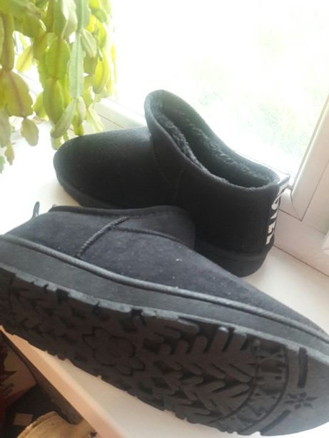 Ботиночки угги зимние