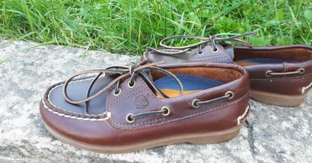 Фирменние туфли в школу