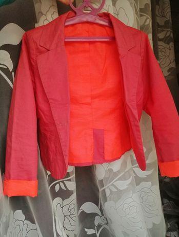 Модный, яркий пиджак