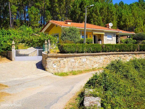 Moradia T3, com Jardim, para venda, em Pias, Monção
