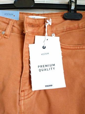 Джинсы cropp для стройной девочки модные, цвета корицы.