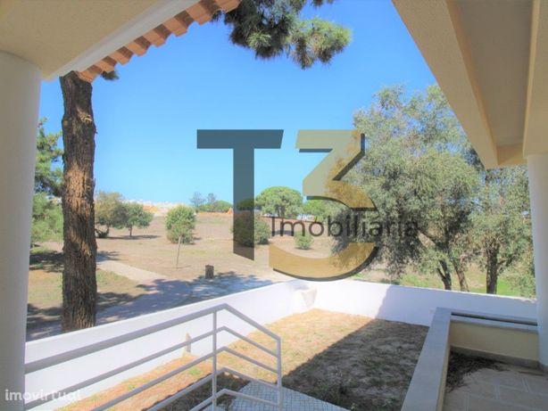 Moradia T4 ISOLADA, com garagem e arrecadação - Marisol