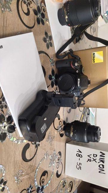 Nikon D 5100 z obiektywem
