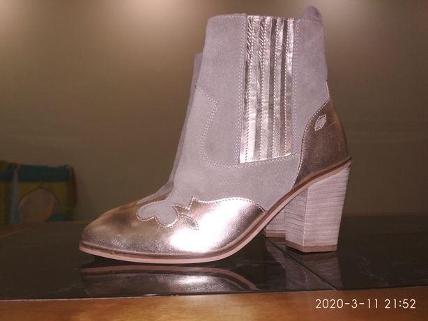 Продам золотые кожаные ботинки ботильены козаки