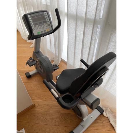 Велотренажер Circle Fitness R7000 Максимальная нагрузка 160 кг  Описан