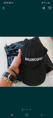 Balenciaga czapka.