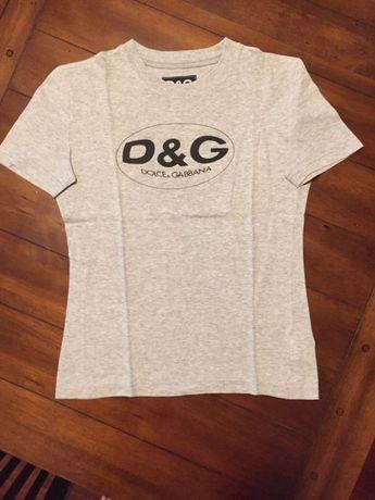 T-Shirt marca Dolce e Gabana, cor cinza claro
