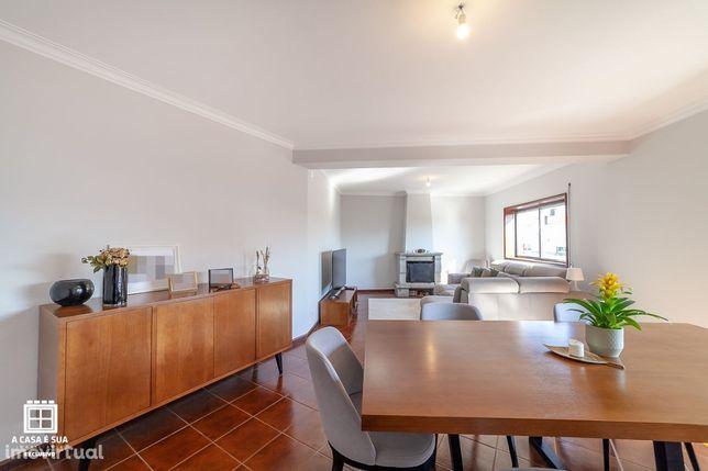 Apartamento T3 renovado com 162 m2 em Arrifana
