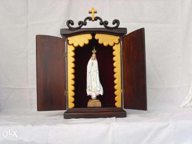 Oratório em madeira feito artesanalmente c/ Nª Sra Fátima fab.nacional