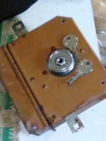 Fechadura Porta Forte com par de chaves