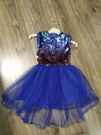 Платье праздничное с пайетками