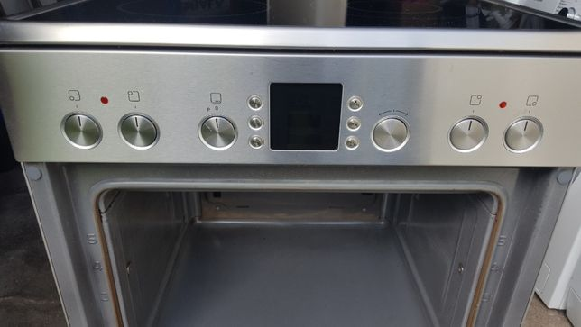 Kuchenka elektryczna BOSCH z płytą ceramiczna szer 60 cm - INOX