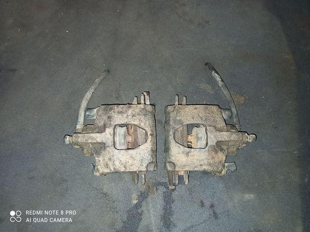 Задні задние супорта Crhisler Grand Voyager III