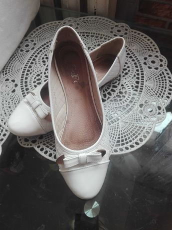 Buty białe polecam