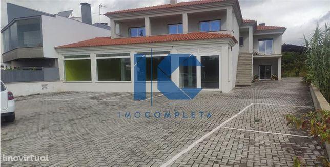Espaço restaurante, comércio ou serviços para arrendamento em Águeda
