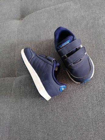Buty dziecięce 22