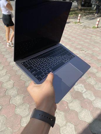 Ноутбук MacBook Air 2019 128 Gb Space Коробка, повний комплект ідеал