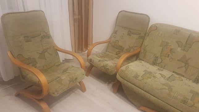 Oddam wersalkę plus dwa fotele