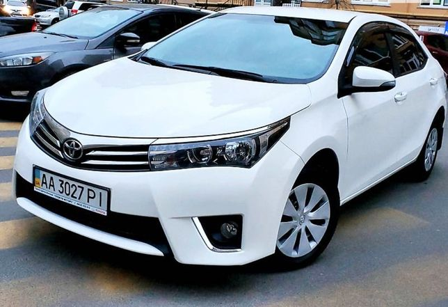 Toyota Corolla 2013 год. 1.6 бензин. АКПП.
