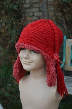 Красивейшая фирменная шапочка для девочки из натуральной шерсти и меха