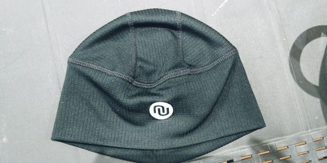 Termoaktywna czapka biegowa Nessie