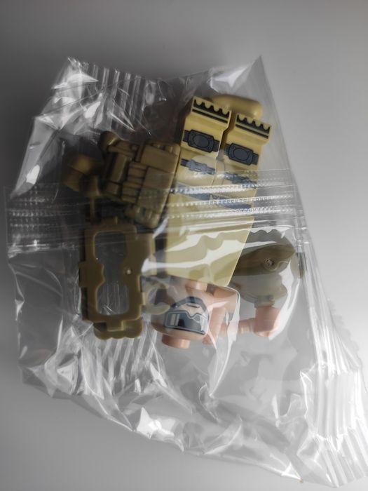 Nowa figurka - komandos w kazmizelce taktycznej typu klocki Warszawa - image 1