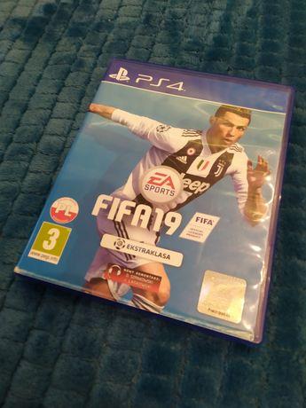 Gra FIFA 19 (PS4)