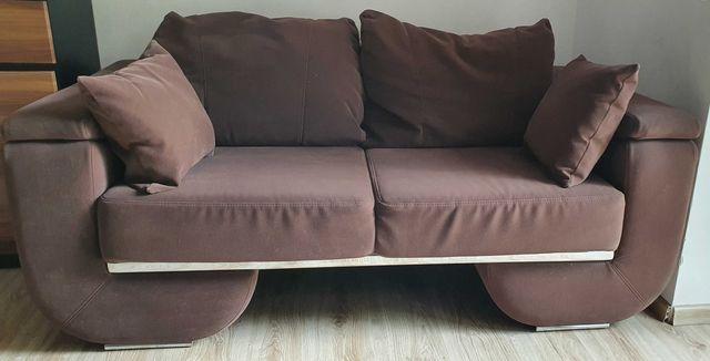 Sofa 2 osobowa z poduszkami, dobra firma i materiał ,plug and play