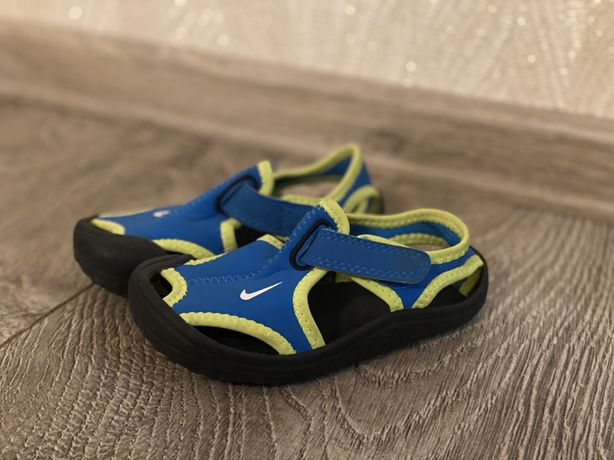 Сандали, босоножки Nike