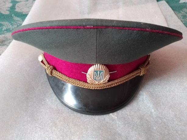 Фуражка малиновая ВСУ офицерская.