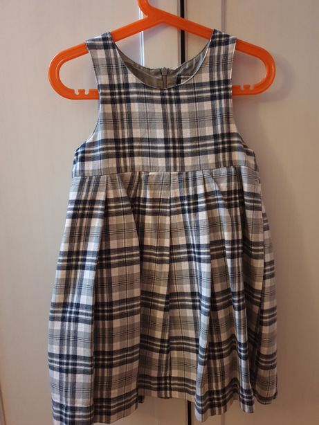Sukienka dziewczęca HM r. 110 bdb