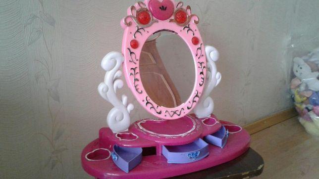 Зеркало-трюмо (безопасное) музыкальное с полочками