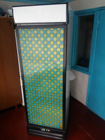 Холодильник вітрина