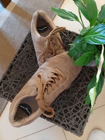 Sapatos e botas masculinas