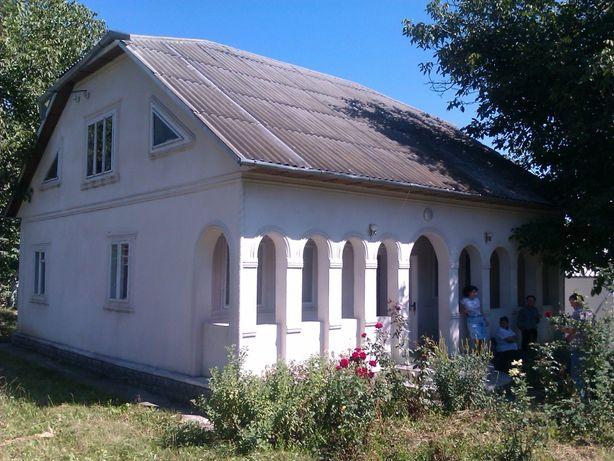 Господарство, Будинок, господарські будівлі, земля (c.Бабин)