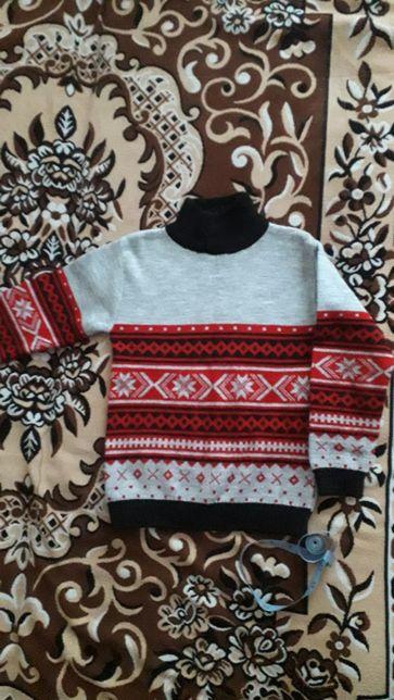 Продам свитер 110-116 см